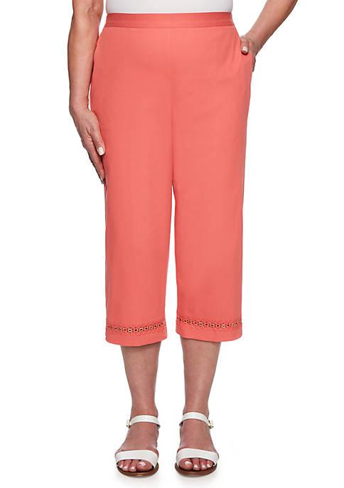 Womens Coastal Drive Lace Trim Capri Pants