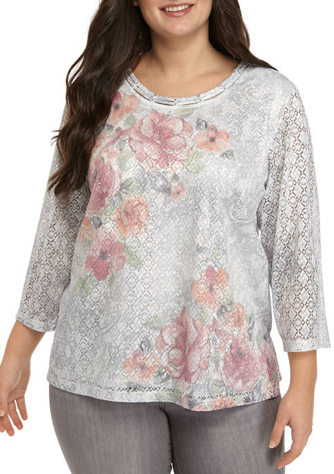Plus Size 3/4 Sleeve Lace Floral Top