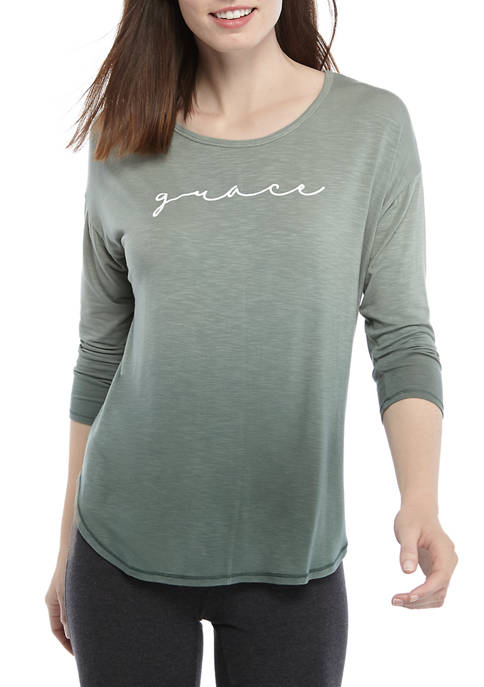 Womens 3/4 Sleeve Knit Graphic T-Shirt