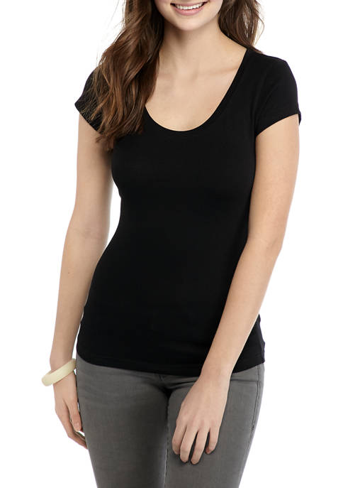 Juniors Short Sleeve Scoop Neck T-Shirt