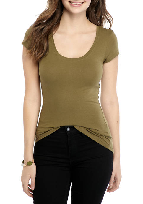 Juniors Short Sleeve Scoop Neck T-Shirt