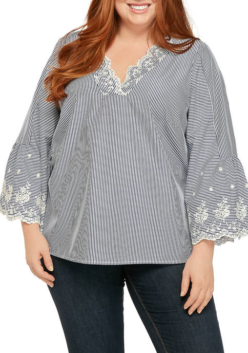 Plus Size 3/4 Sleeve Embroidered Top