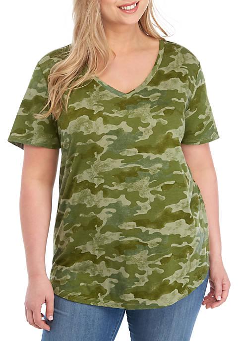 Plus Size Short Sleeve V Neck Camo Print