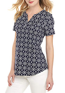 b0f613ad455c ... Kim Rogers® Petite Short Sleeve Abstract Print Top