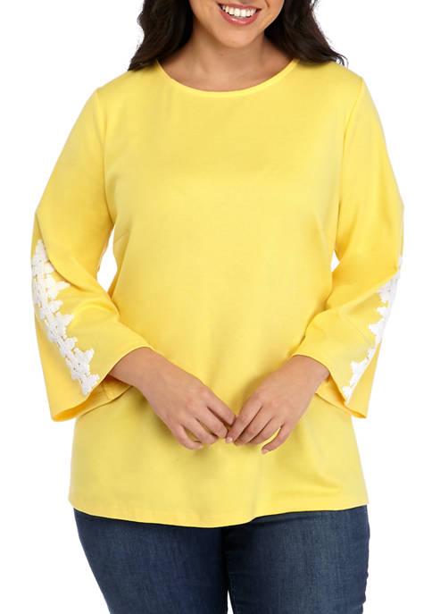 Plus Size 3/4 Crochet Sleeve Top