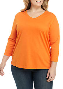 Plus Size 3/4 Sleeve Solid V-Neck Top