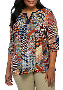 Plus Size 3/4 Sleeve Split Neck Patch Print Top