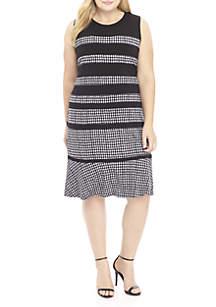 Plus Size Sleeveless Houndstooth Paneled Dress