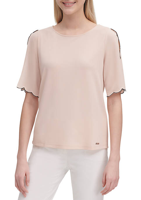 Short Scallop Sleeve Knit Top