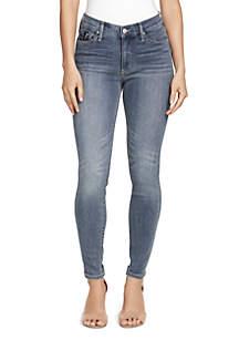 Wonderland High Rise Skinny Jean