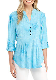 New Directions® High Low 3/4 Sleeve Aqua Disperse Dye Henley Top