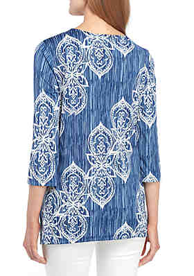 09392e24 ... New Directions® 3/4 Sleeve Printed Cutout Neck Top