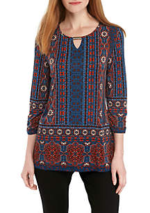 Three-Quarter Sleeve Border Print Top With Hardware