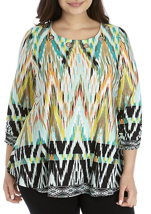 Plus Size 3/4 Ruched Sleeve Grommet Swing Top