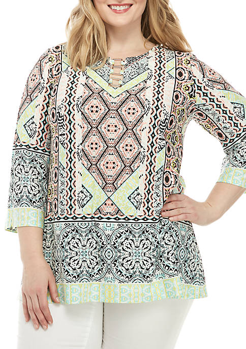Plus Size 3/4 Split Sleeve Top with Hardware Neck