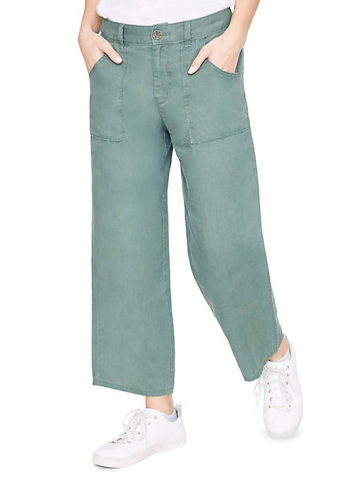 Traveler Wide Leg Crop Pants