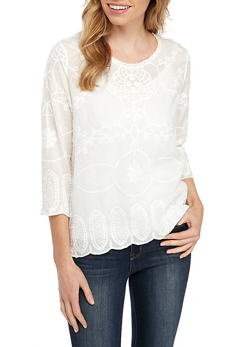 Petite 3/4 Sleeve Embroidered Top