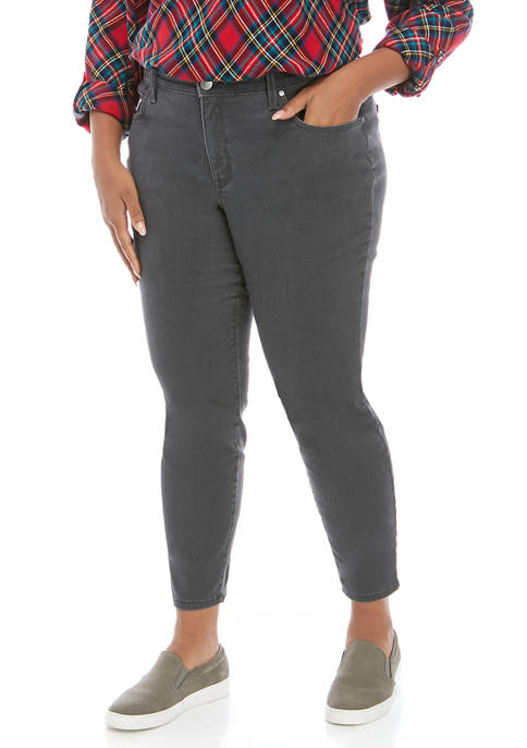 Plus Size Pigment Dyed Skinny Jeans