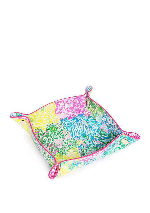 Lilly Pulitzer® Cheek to Cheek Valet