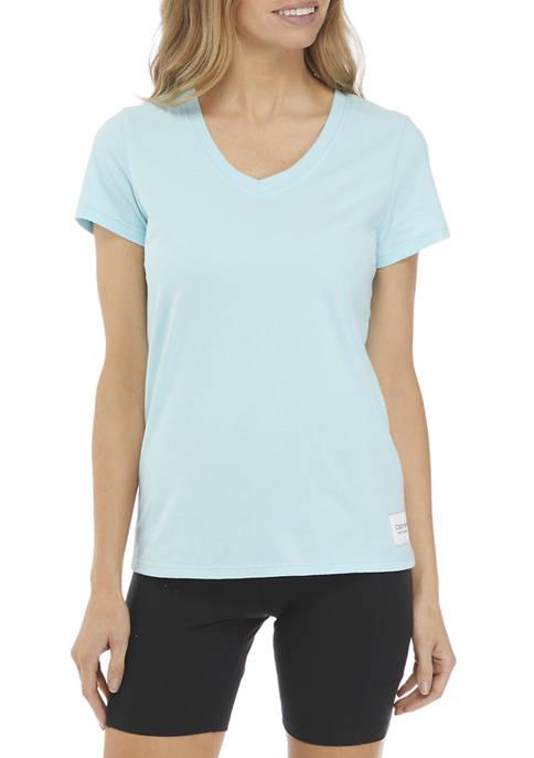 Woven Logo Patch V-Neck T-Shirt