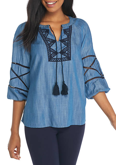 Crown & Ivy™ Zig Zag Peasant Top