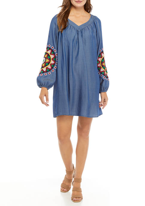 Crown & Ivy™ Womens Long Embroidered Sleeve Dress