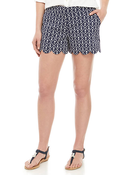 Crown & Ivy™ Shelby Scalloped Hem Shorts