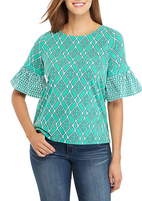 Crown & Ivy™ Elbow Bell Sleeve Lattice Top