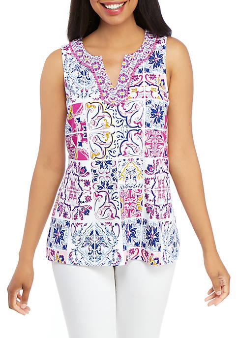Crown & Ivy™ Sleeveless Split Neck Printed Top