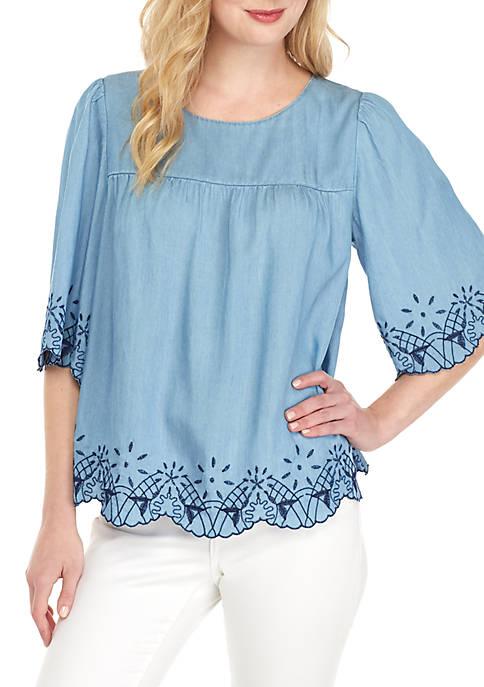 Crown & Ivy™ 3/4 Sleeve Embroidered Peasant Top