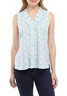 Crown & Ivy™ Sleeveless V Neck Pleated Top
