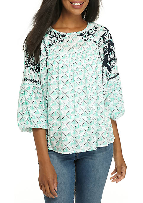 Crown & Ivy™ Three-Quarter U-Neck Peasant Top