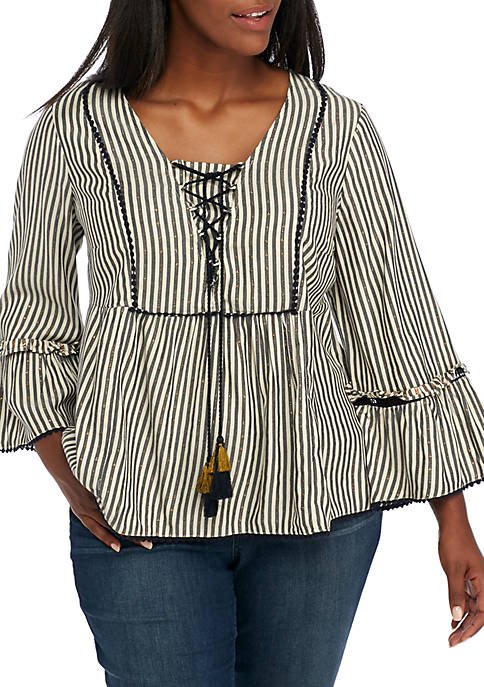 Crown & Ivy™ Three-Quarter Tie Front Peasant Top