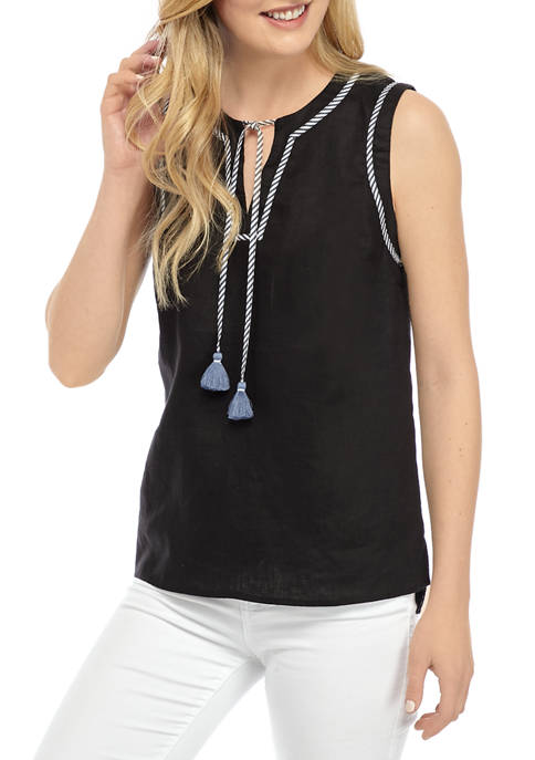 Crown & Ivy™ Womens Sleeveless Notch Front Top