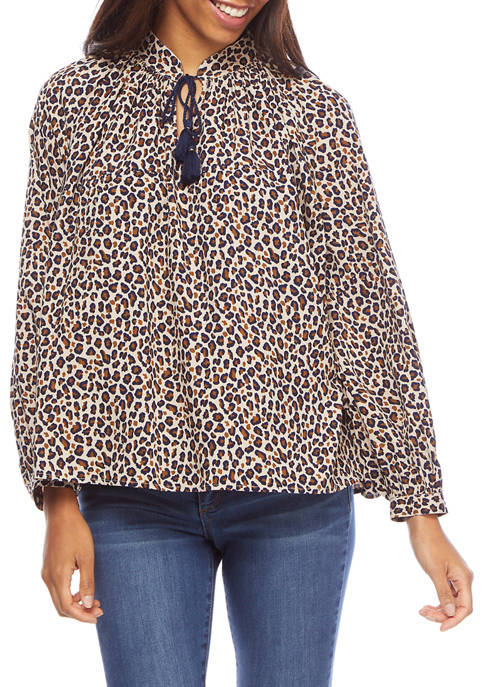 Crown & Ivy™ Petite Keyhole Neck Leopard Printed
