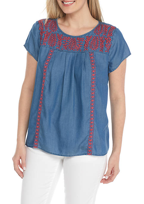 Crown & Ivy™ Petite Size Embroidered Yoke Short