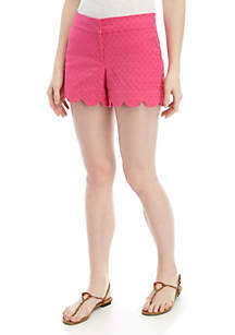 Crown & Ivy™ Petite Shelby Scalloped Hem Shorts