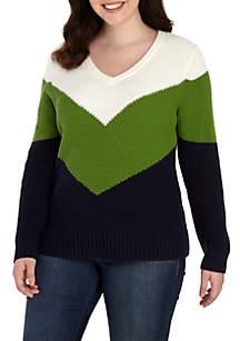Plus Size Three-Quarter Sleeve Chevron V-Neck Sweater