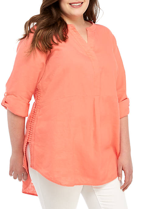 Crown & Ivy™ Plus Size Long Sleeve Pom