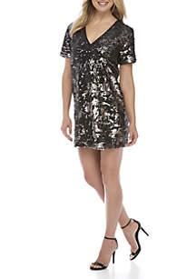 Short Sleeve V-Neck Sequins Shift Dress