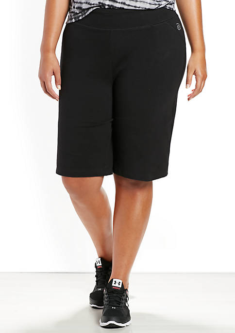 be inspired® Plus Size Basic Knee Shorts