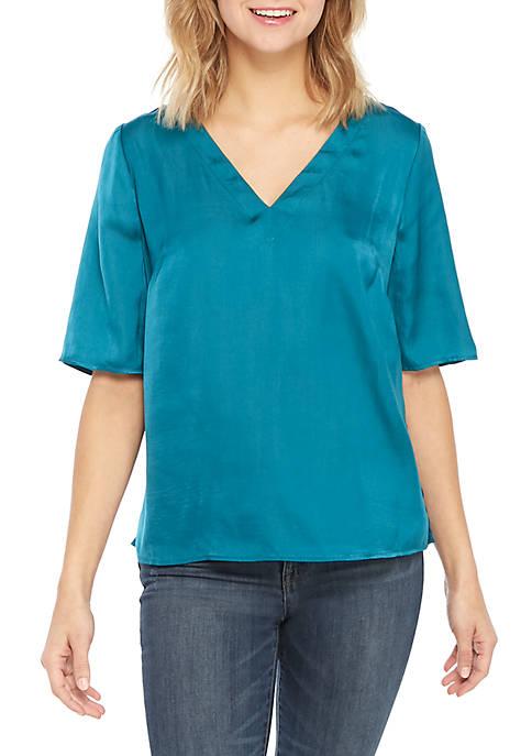 Kaari Blue™ Short Sleeve V-Neck Top