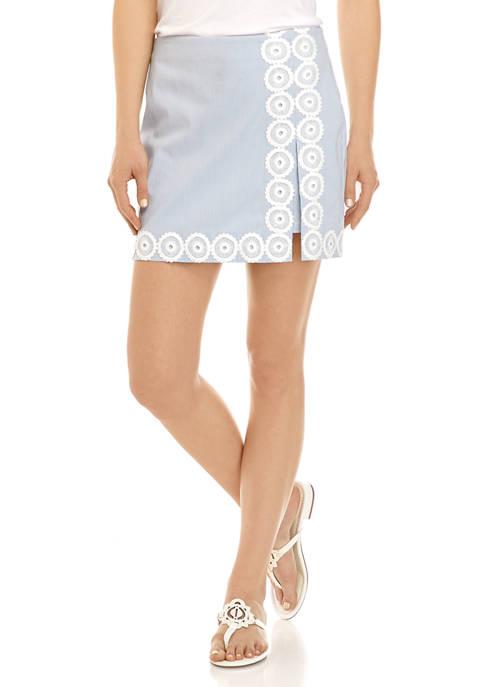 Crown & Ivy™ Womens Embroidered Skort