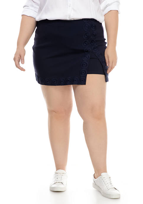 Crown & Ivy™ Plus Size Crochet Trim Skort