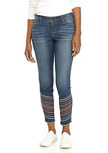 Diagonal Fray Hem Skinny Jeans