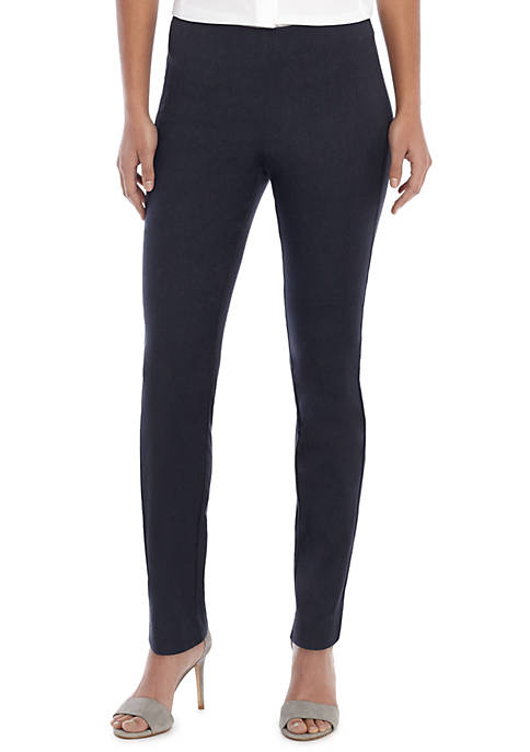 Petite Signature Pull-on Skinny Pant in Career Denim