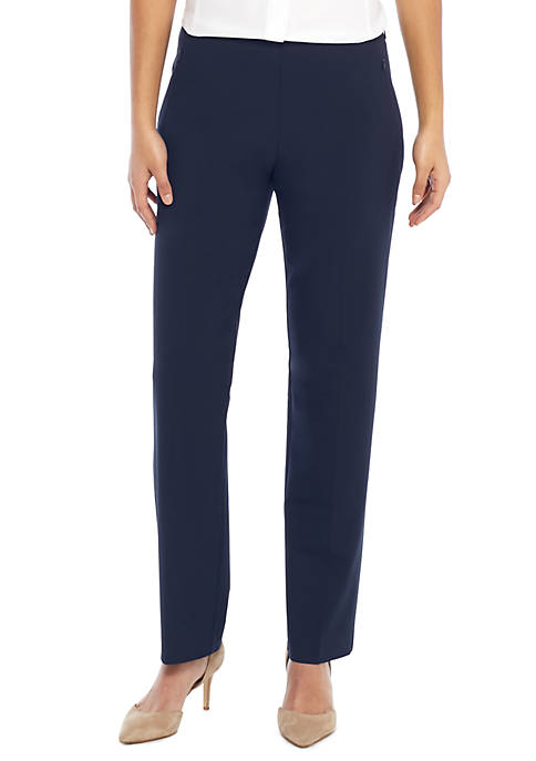 Signature Straight Pant with Zip Pockets in Modern Stretch - Short