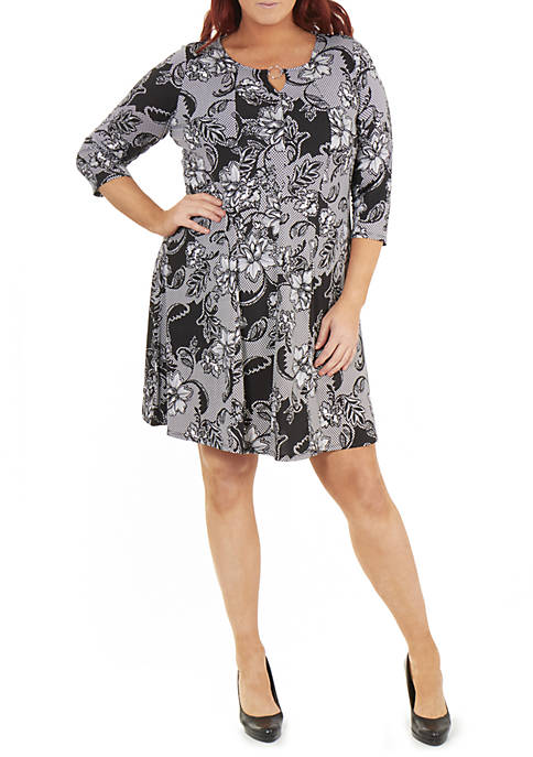 Plus Size 3/4 Sleeve Round Neck Dress