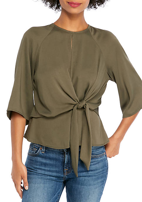 3/4 Raglan Sleeve Top with Front Tie and Keyhole