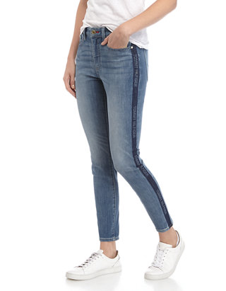 instalaciones Bibliografía Lanzamiento  Tommy Hilfiger Women's Bleach Stripe Skinny Jeans   belk